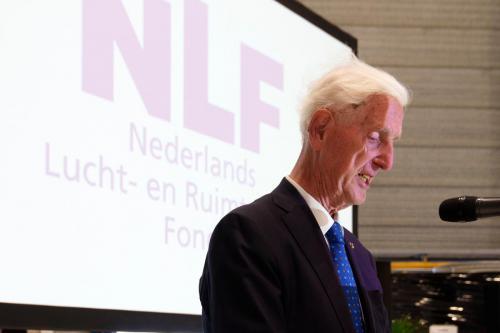 NLF en een pionier